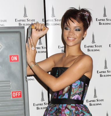 rihanna haircuts. pictures of rihanna hairstyles