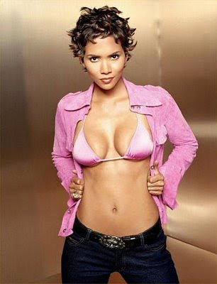 Halle Berry Cute Short Hairstyle Trends
