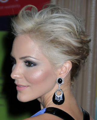 The 2011 short hairstyles trends boasted easy glamor and daring.