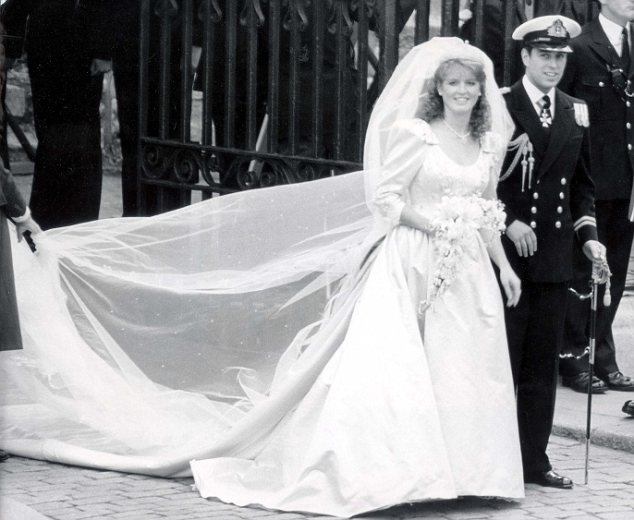 will and kate wedding. will and kate wedding dress.