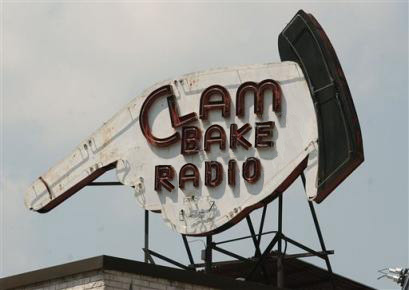 The Radio Clambake DEEvice