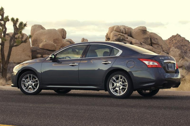 Side view of 2011 Nissan Maxima in desert