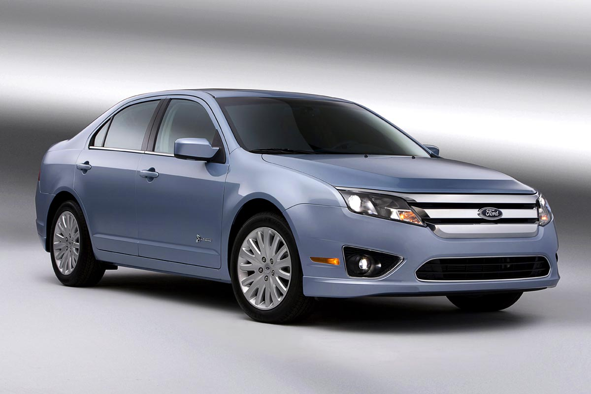 Ford Fusion Hybrid Wins