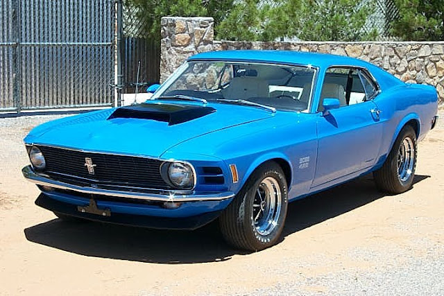 Front 3/4 view of 1970 Ford Mustang Boss 429