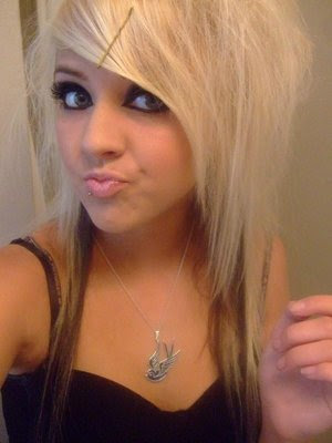 2010 Blonde Emo Hairstyles for Emo Girls Cute Emo Girl Hairstyle for Winter