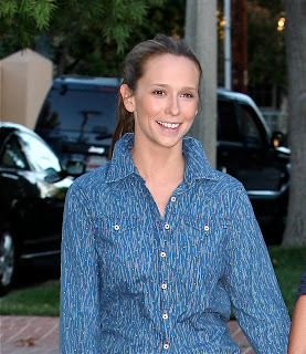 Jennifer Love Hewitt - Out and about in LA