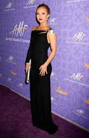 Hayden Panettiere Shows Off Her Pecs