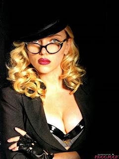Scarlett Johansson's Cleavage For Nerds