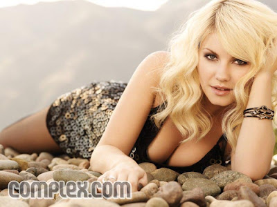 Elisha Cuthbert Is Sexy In Complex