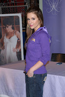 Alyssa Milano Wants You To Touch