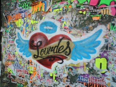 wallpaper graffiti love. Corazones Graffiti - Graffiti