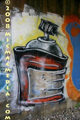 spray can,graffiti spray can