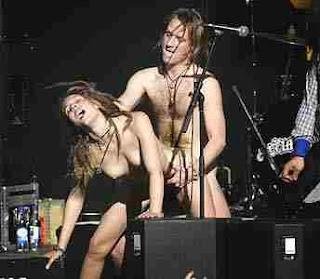 9 songs  Sexo drogas y rock amp roll  Sinopsis crítica