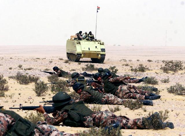 http://4.bp.blogspot.com/_39yeaTDAKXk/TUZnXGbFGiI/AAAAAAAAAuo/9y1XPCq1-44/s1600/Egyptian+Army.jpg