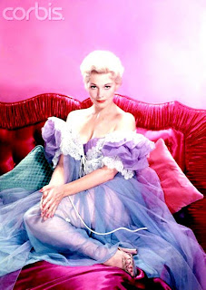 Kim Novak's Measurements http://decohollywood.blogspot.com/2009/08/beautiful-clothes-from-20s-50s-and.html