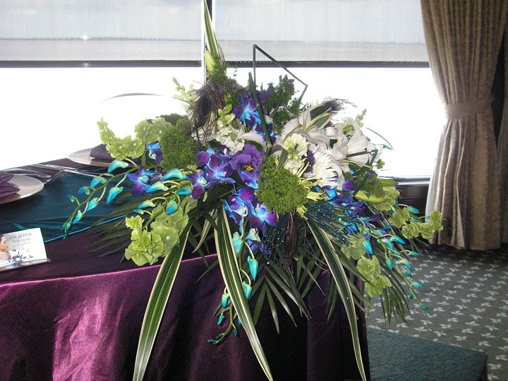 Feather Decorations For Weddings