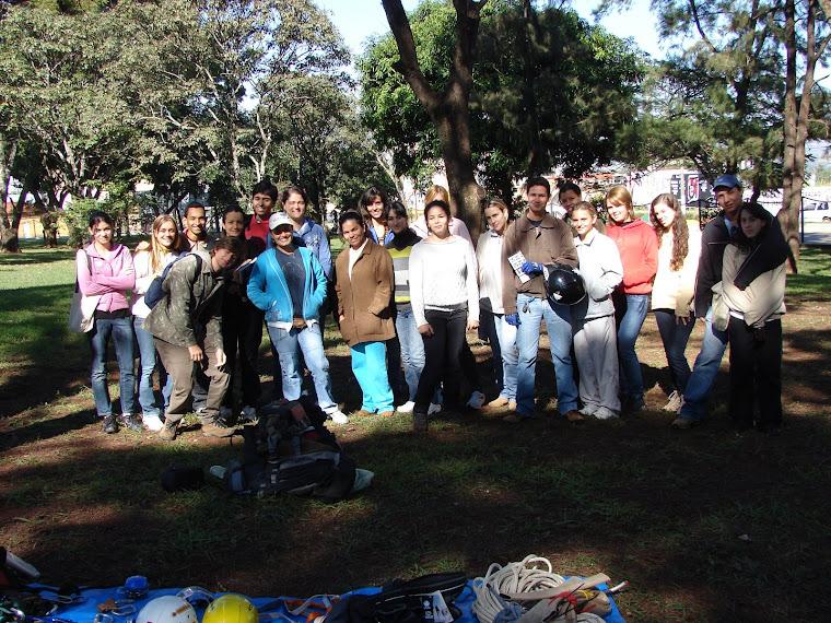 CURSO ESCALADA EM ÁRVORES DA UNIPAM - 04 E 05 DE JUNHO DE 2009
