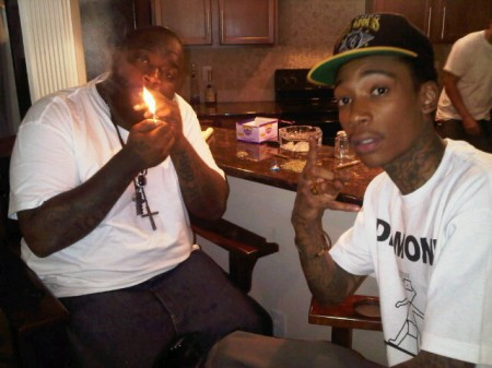 wiz khalifa wallpaper smoking. wiz khalifa mohawk. pics of