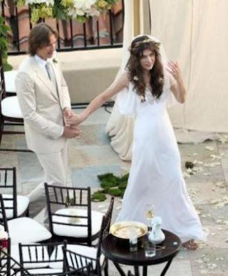 fashion assistance: milla jovovich se casó con un vestido diseñado