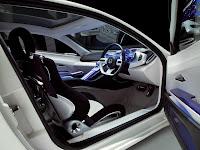 2011 Honda CR-Z futuristik dan sporty interior view