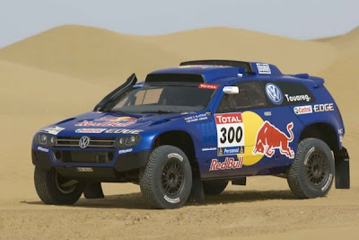 2011 VW Race Touareg 3 More Faster front view