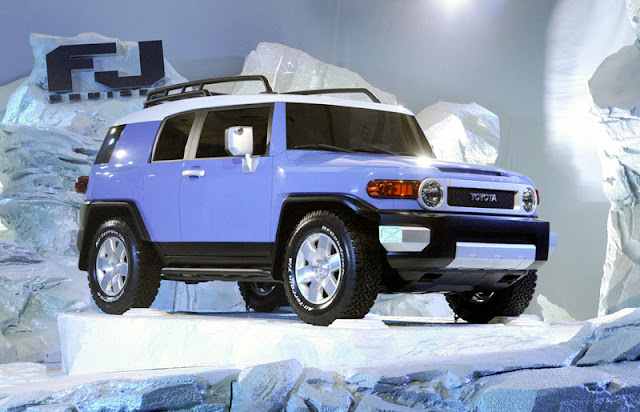 Toyota begins selling the new FJ Cruiser
