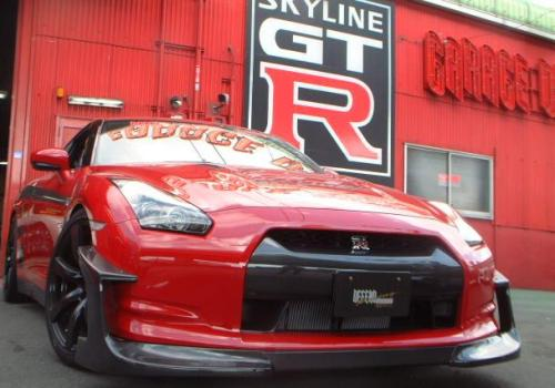 2011 The first photos of the updated Nissan GT-R
