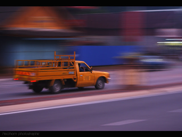 Panning a van picture