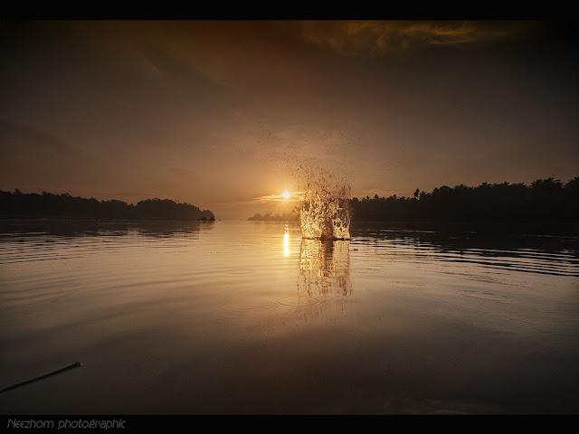 Splashing sunrise picture