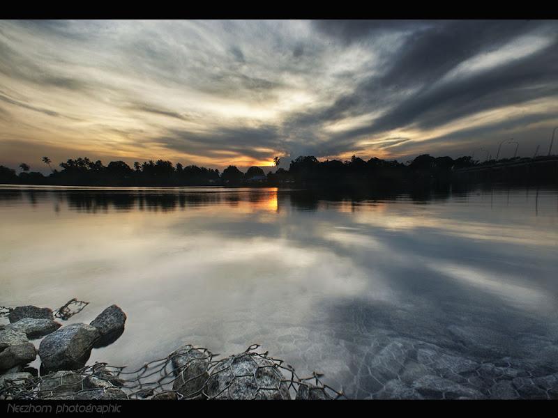 Gambar sunset di kampung Pulau Rusa