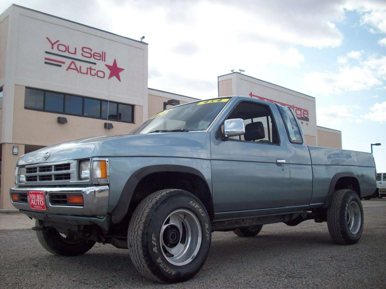 1995 Nissan 4X4 Pickup For Sale hd image