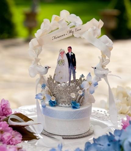 The Wedding Contessa Adorable Cake Toppers