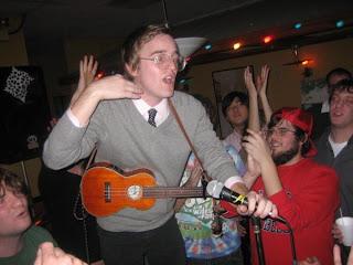 dent may ukulele