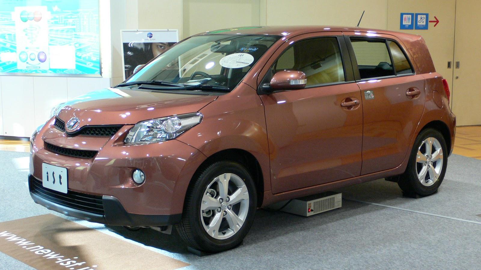 Japanese Car: Toyota IST