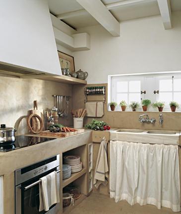 Casa tr s chic uma casa na ilha de menorca for Mesadas de cocina pequenas