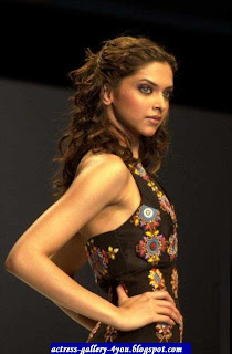 03deepika_padukone hot bollywood actress