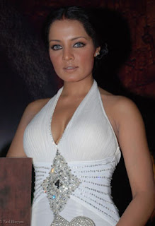 02celina jaitley sexy bollywood acterss pictures 200509