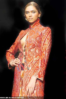 Deepika Padukone sexy bollywood actress pictures 200509