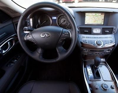 2011 Infiniti M37 / M56 interior