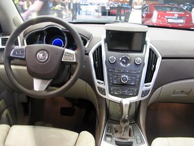 New crossover - Cadillac SRX 2011 interior photos