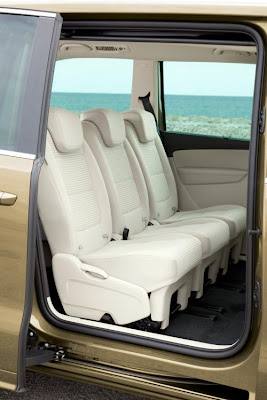 SEAT has released new details about the Alhambra 2011 seats
