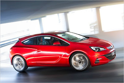2011 Opel Astra GTC Paris live photos