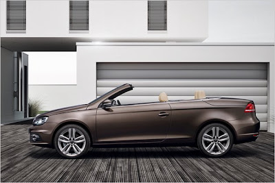 2011 Volkswagen Eos Coupe-cabriolet  has a new Led lights