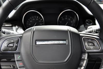 New Range Rover Evoque Live Paris 2010