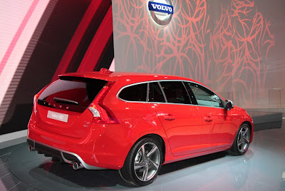 Paris Motor Show 2010 Volvo V60 live  more aesthetic than practical