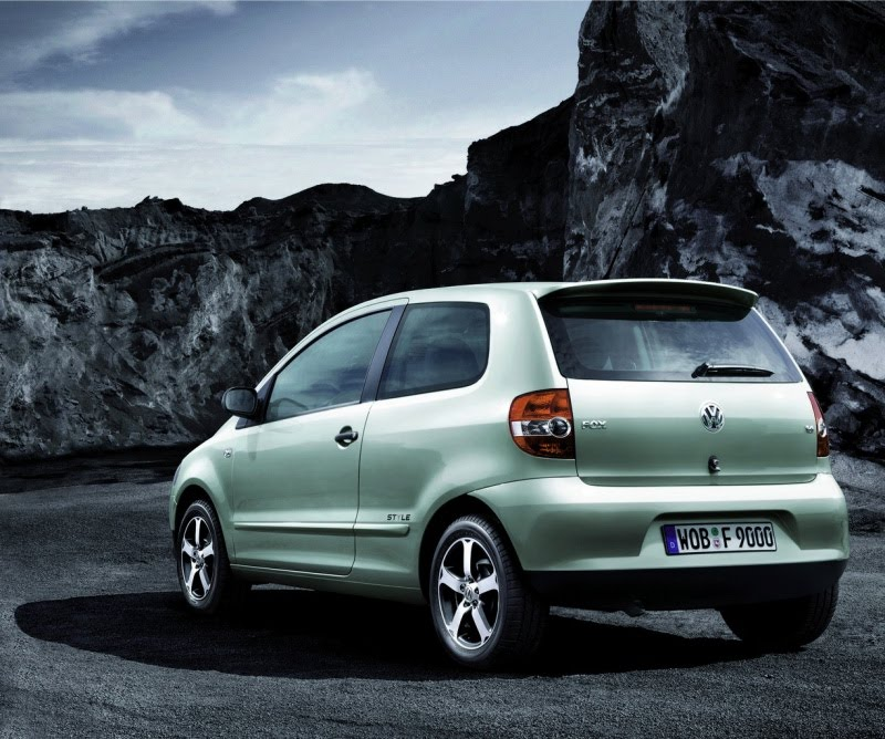 vw fox 2011 she escapes in facelift garage car. Black Bedroom Furniture Sets. Home Design Ideas