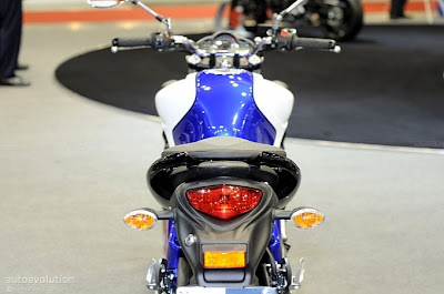 2012 Suzuki SFV 650 Gladius Live Milan EICMA 2010