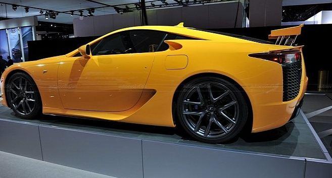 Orange lexus lfa was another decoration detroit 2011 for Garage auto orange