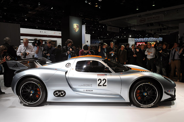 The total power of the Porsche 918 RSR Coupe reaches 767 horsepower,
