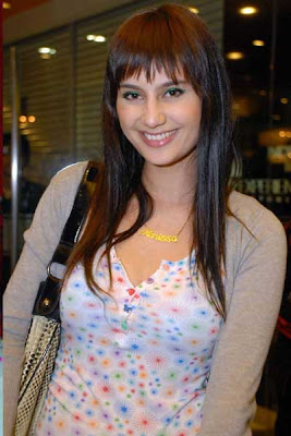 foto telanjang Marissa Nasution
